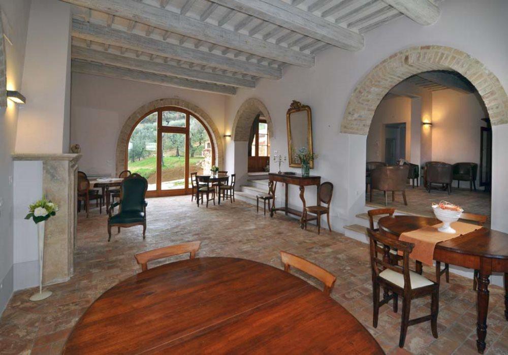 APPASSIONATI DI ENOTURISMO APRE IL WINE RESORT LE BUCHE Per vivere un'esperienza unica in Toscana