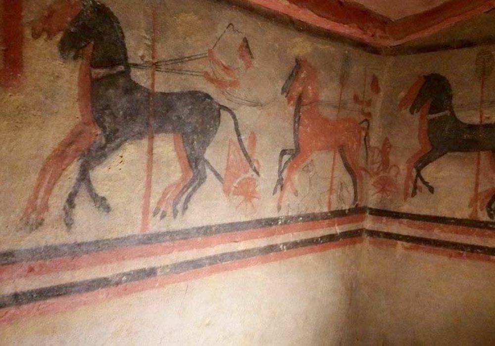 IMPORTANTE SCOPERTA ARCHEOLOGICA A CHIUSI Scavi rivelano una tomba etrusca del V secolo a.C.
