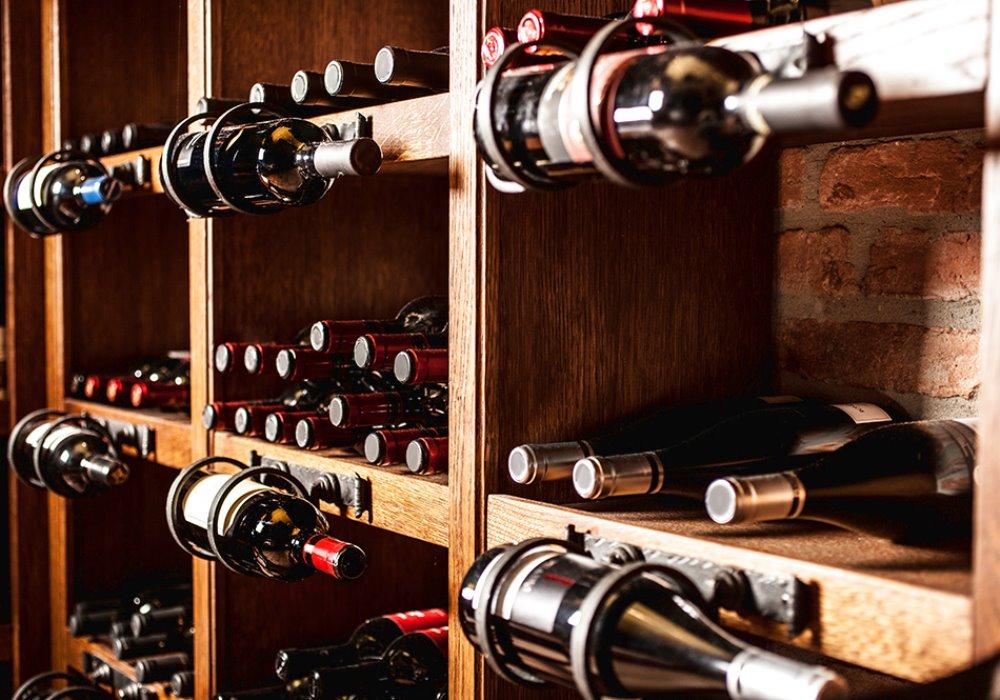 LE 3 REGOLE D'ORO PER ABBINARE IL GIUSTO VINO AL CIBO Come scegliere il giusto abbinamento cibo-vino