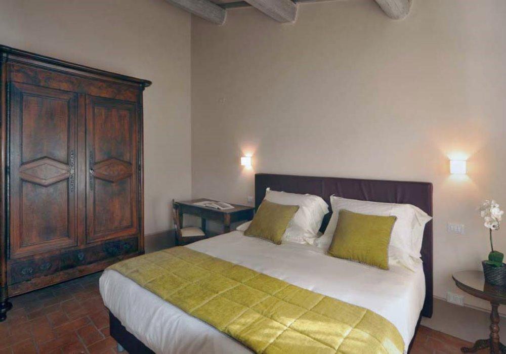 LA VERA STORIA DELLA BEFANA Offerta Epifania in Toscana a Le Buche Resort