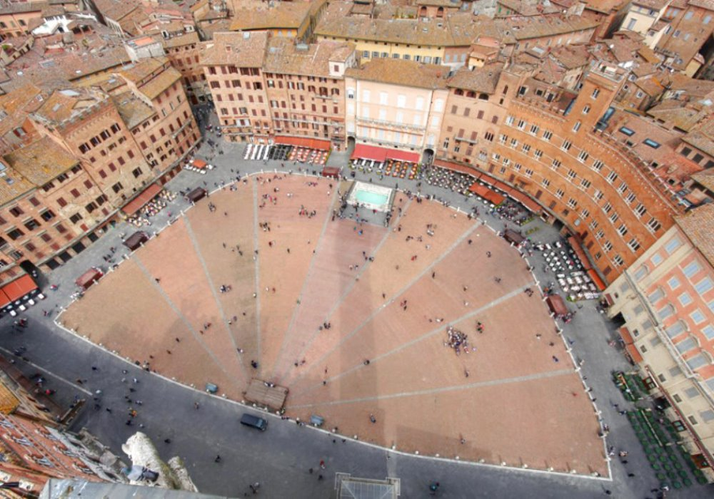 VISIT SIENA A SPRING