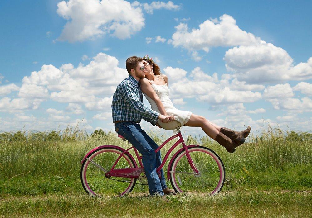 Perché una fuga romantica può salvare la coppia Scappare dalla città e mantenere vivo il rapporto